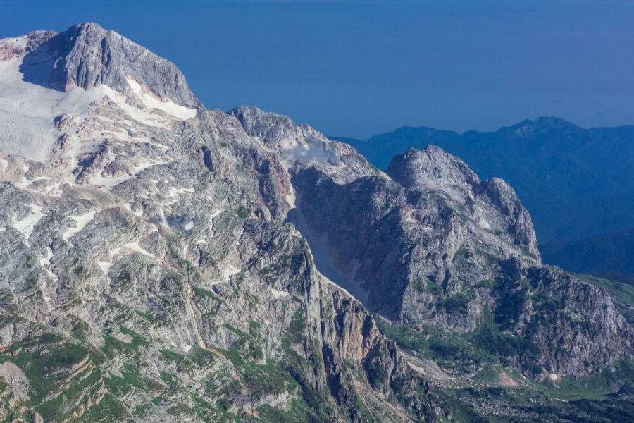 Название стадиона Фишт в честь одноименной горы.